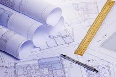 Rolls de planos arquitetónicos da casa Foto de Stock
