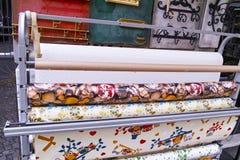 Rolls de tissu coloré Photos libres de droits