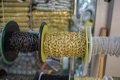 Rolls delle catene decorative Fotografie Stock