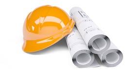Rolls der Architekturzeichnungen und des orange Sturzhelms Lizenzfreie Stockfotos