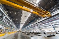 Rolls di alluminio sono deposito nel posto speciale Immagine Stock