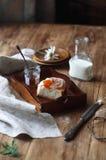 Rolls doce com creme de pastelaria da baunilha Imagens de Stock
