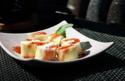 Rolls en el restaurante japonés Imagenes de archivo