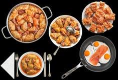 Rolls farcito cavolo marinato con Fried Eggs e la torta domestica del formaggio isolati su fondo nero Immagini Stock Libere da Diritti