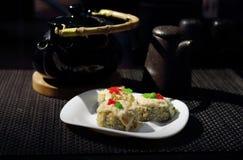 Rolls i den japanska restaurangen fotografering för bildbyråer