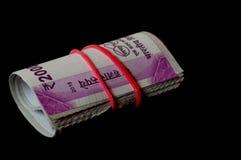 Rolls på indier 2000 rupier anmärkningar Royaltyfri Fotografi