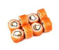 Rolls Philadelphia sushi med ålen på vit bakgrund med avokadot Japansk mat royaltyfria foton