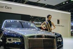 Rolls Royce con el modelo en el 36.o salón del automóvil internacional 2015 de Bangkok Imagenes de archivo