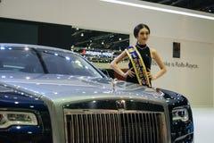 Rolls Royce con el modelo en el 36.o salón del automóvil internacional 2015 de Bangkok Imagen de archivo