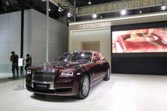 Rolls Royce roja, fantasma amplió la distancia entre ejes Fotos de archivo libres de regalías