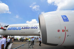 Rolls Royce Trent XWB motor som driver flygbussen A350-900 XWB på Singapore Airshow Royaltyfri Fotografi