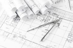 Rolls von Architekturplan- und -hausplänen Lizenzfreies Stockbild