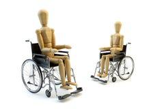 Rollstuhl mit hölzernem Mannsitzen Lizenzfreie Stockfotos