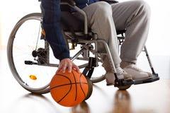 Rollstuhlbasketball-spieler stockfoto