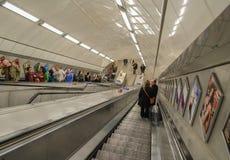 Rolltreppe in London Untertage Stockfotos