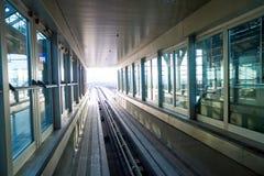 Rolltreppen im Flughafen Lizenzfreie Stockfotografie