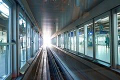 Rolltreppen im Flughafen Lizenzfreies Stockbild