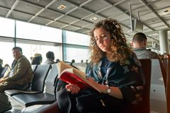 Rolltreppen im Flughafen Lizenzfreie Stockbilder