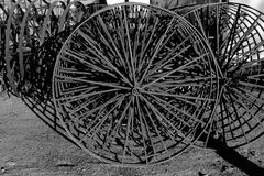 Rolna uprawia ziemię moda metalu machinalna gwiazda która pracujący używał kół koła gdy Obraz Stock