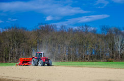 Rolnicza praca z ciągnikiem Fotografia Royalty Free