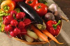 rolników świeżego rynku stołu warzywa drewniani zdrowa żywność dieta Obrazy Stock