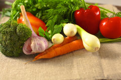 rolników świeżego rynku stołu warzywa drewniani zdrowa żywność dieta Zdjęcia Royalty Free