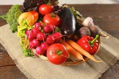 rolników świeżego rynku stołu warzywa drewniani zdrowa żywność dieta Obraz Royalty Free