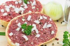 Rolo com carne de porco triturada Imagens de Stock