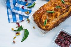 Rolo da carne de porco do sábio e do pistache Imagem de Stock Royalty Free