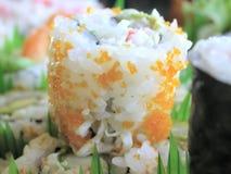 Rolo de Califórnia do sushi fotografia de stock royalty free