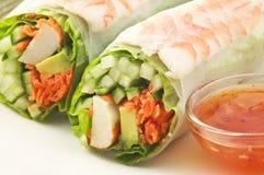 Rolo de sushi da salada do camarão Fotografia de Stock