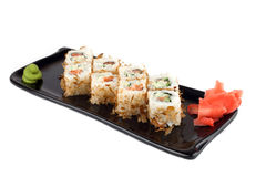 Rolo do sushi com salmões e pepino Imagens de Stock Royalty Free