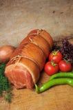 Rolo e vegetais de carne fresca Fotografia de Stock