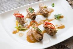 Rolos de carne asiáticos imagens de stock