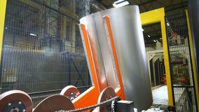 Rolos de giro das mostras da câmera que transportam workpieces do tambor filme
