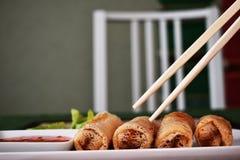 Rolos de mola fritados Fotos de Stock Royalty Free