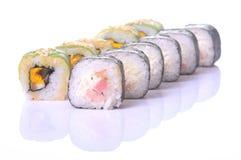 Rolos de sushi japoneses frescos tradicionais Fotografia de Stock