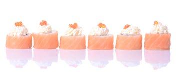 Rolos de sushi japoneses frescos tradicionais Imagem de Stock Royalty Free