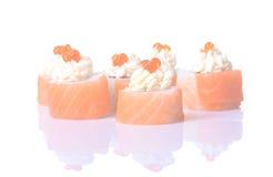 Rolos de sushi japoneses frescos tradicionais Imagens de Stock Royalty Free