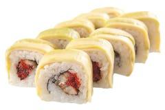 Rolos de sushi japoneses no fundo branco Fotos de Stock