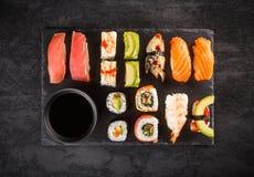 Rolos do grupo do sushi Fotografia de Stock