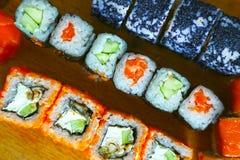 Rolos do phyladelphia de Califórnia do sushi Imagem de Stock