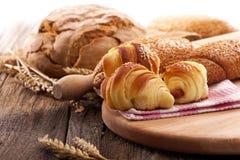 rolos e pão frescos Fotografia de Stock Royalty Free