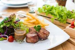 Rolos grelhados do bacon do lombinho de carne de porco Imagem de Stock