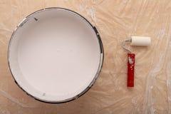 Rolownik i muśnięcie dla malować z farbą Obrazów akcesoria przygotowywający dla malować fotografia stock