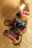 Rols von Diafilm Agfa Precisa CT 100 35mm nahe bei russischen 35 Lizenzfreies Stockbild