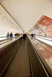 Roltrap in Metro van Parijs Stock Fotografie