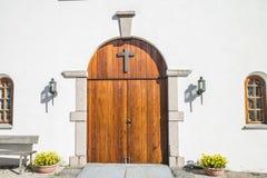 Rolvsøy kyrka (kapell-strömförsörjningen porten) Arkivfoto