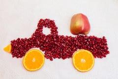Romã e laranja como a forma do caminhão Fotos de Stock Royalty Free