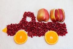 Romã e laranja como a forma do caminhão Imagem de Stock Royalty Free